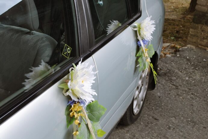 Dekoracje weselne na samochód Ptaszarnia