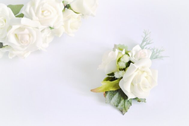 Butonierka ślubna Lily Rose Ptaszarnia