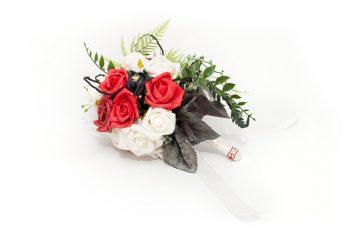 Bukiet Róże Tyrolu Ptaszarnia