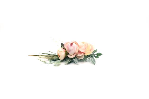 Butonierka brudnego różu
